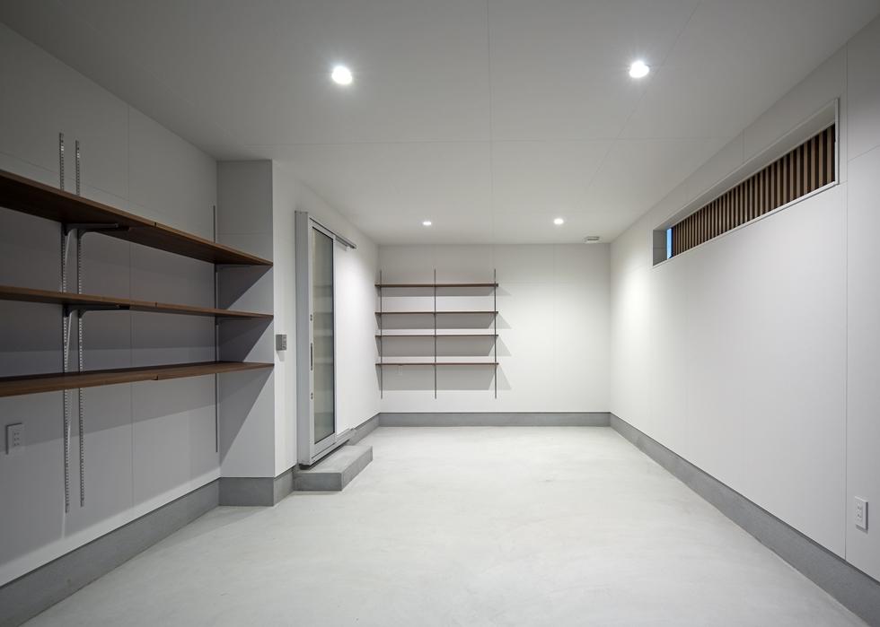 106 1階 車庫